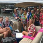tritoon-girls-party-adventure-boat